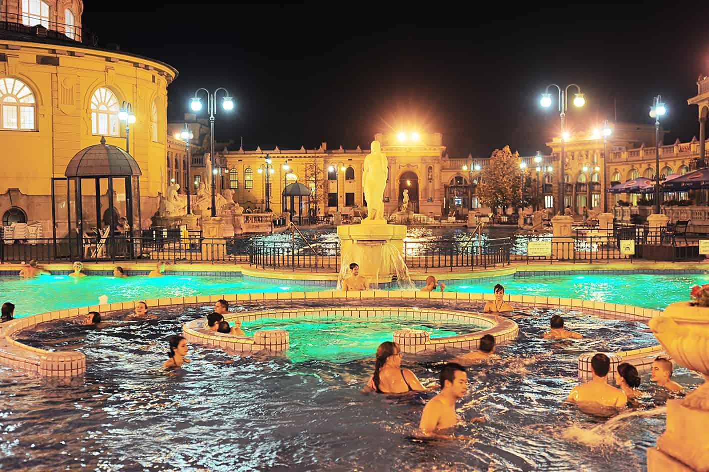 Széchenyi Thermal Bath, Budapeşte, Macaristan