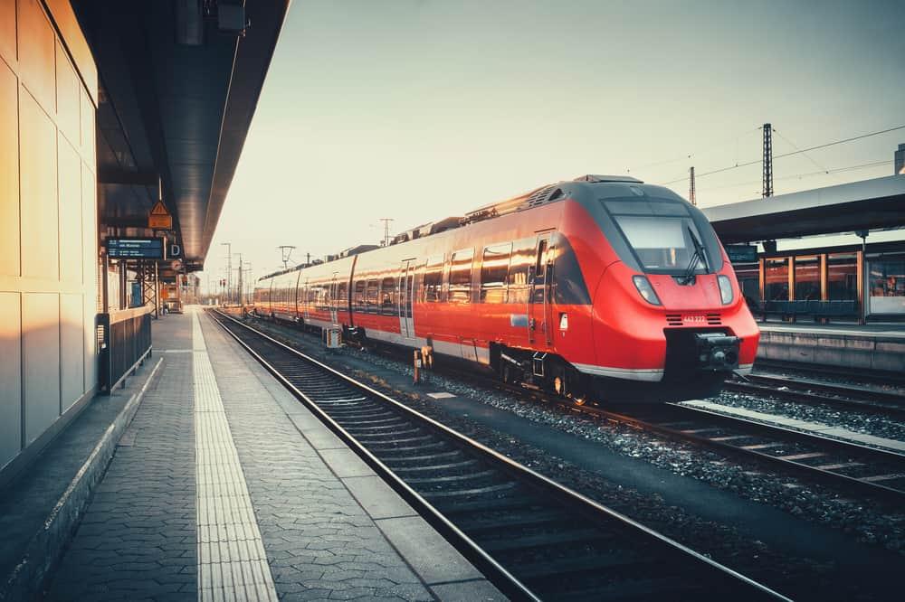 Şansınız Varsa Otobüslere veya Trenlere Yönelin