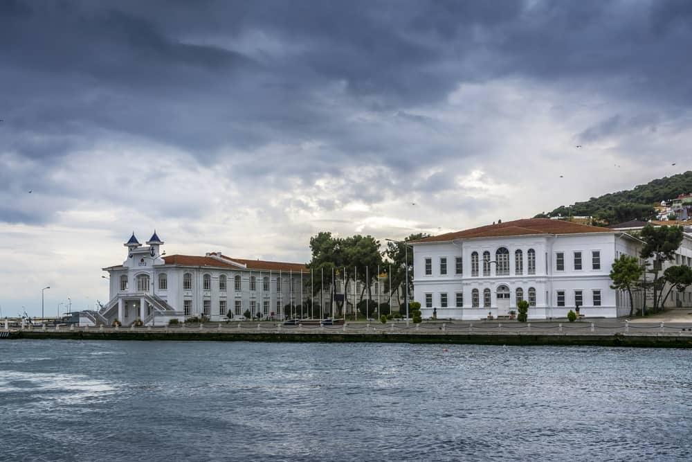 Heybeliada Deniz Harp Lisesi