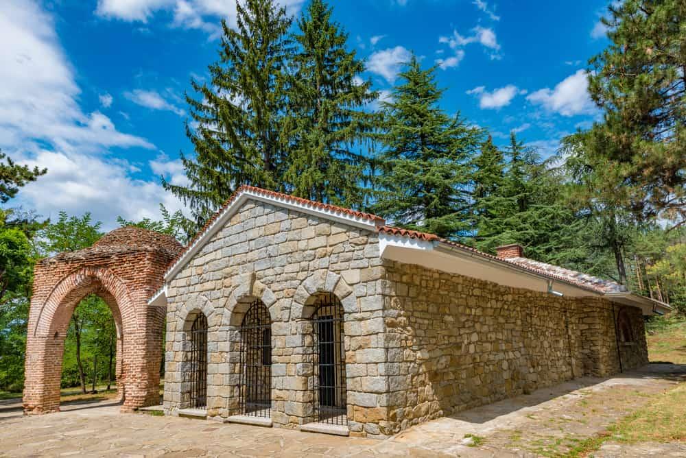 Kazanlık Trak Mezarı