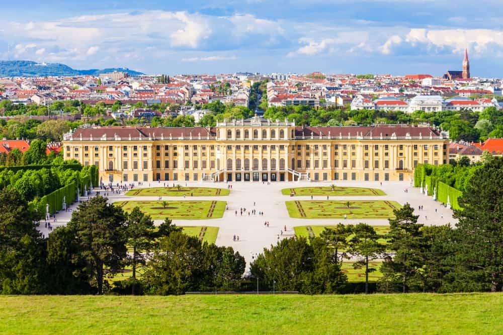 Schönbrunn Sarayı