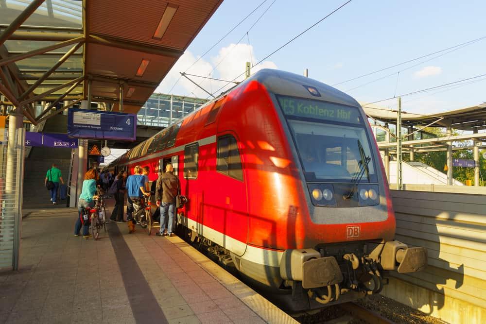 düsseldorf tren