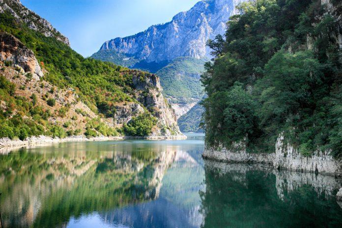 İşkodra Gölü