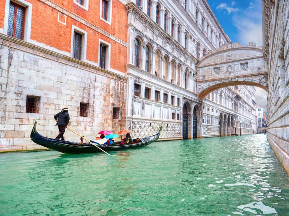 Ahlar Köprüsü Venedik