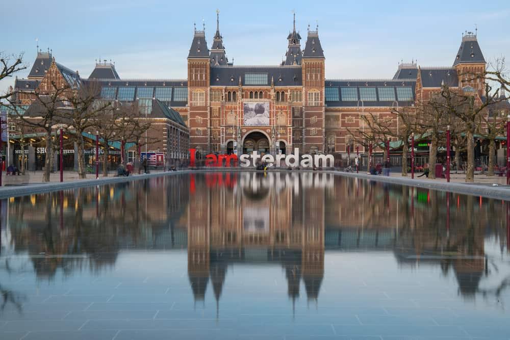 Müze Meydanı (Museumplein) Amsterdam
