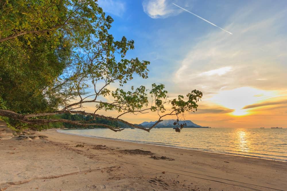 Pantai Pasir Hitam, Langkawi, Malezya