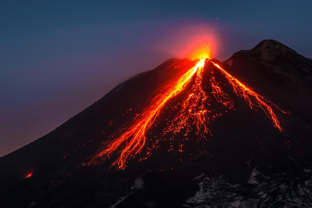 Etna Yanardağı, İtalya