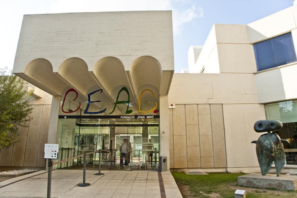 Fundacio Joan Miro (Joan Miro Müzesi) Barcelona