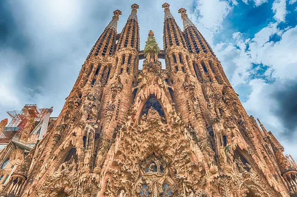 Sagrada Familia (Kutsal Aile) Bazilikası Barcelona