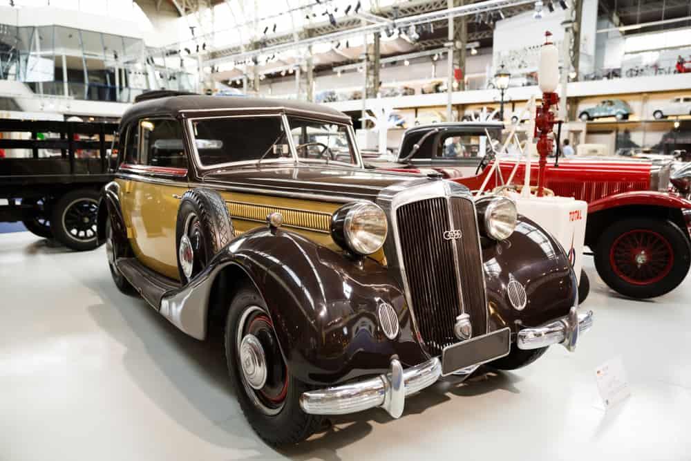 Brüksel Araba Müzesi
