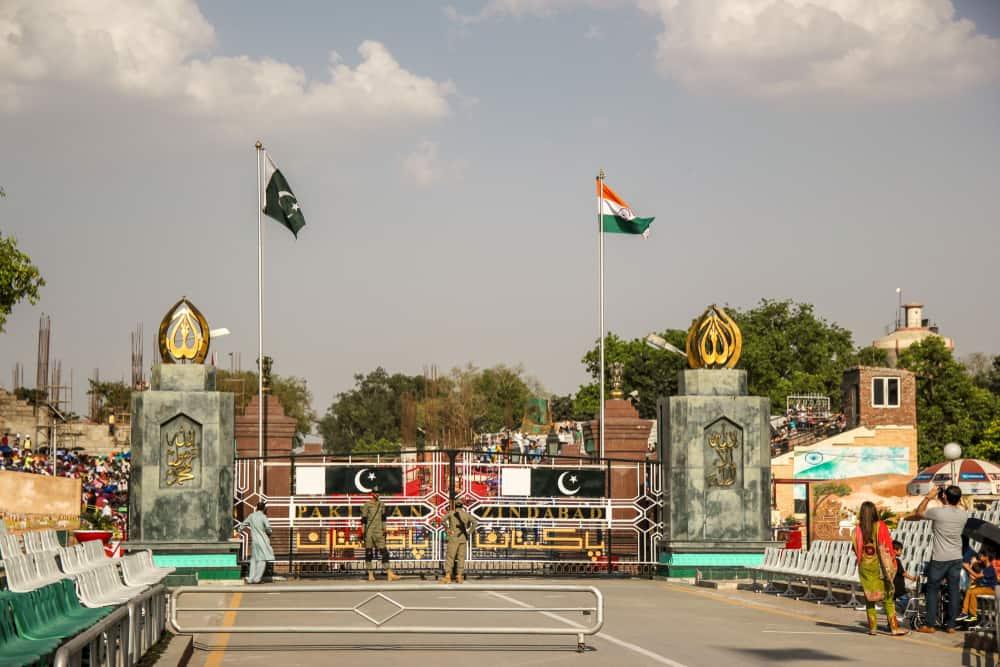 Pakistan'ın Wagah kenti ve Hindistan'ın Amritsar kentini ayıran sınır kapısı
