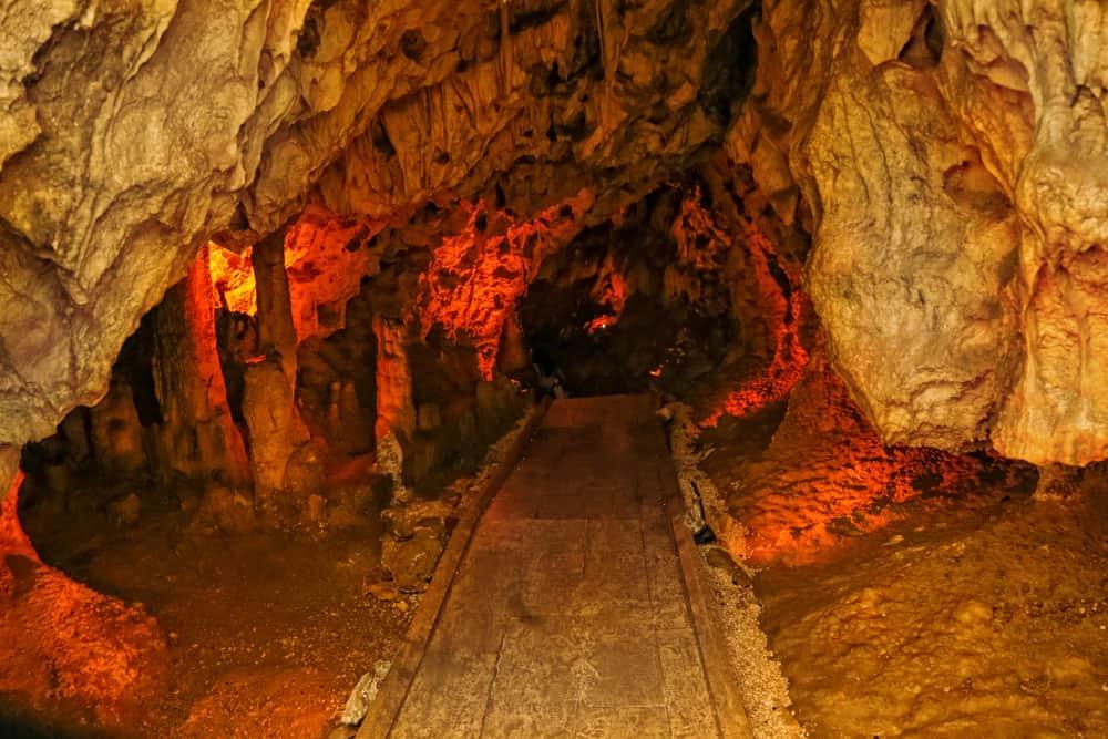 İnsuyu Mağarası Burdur