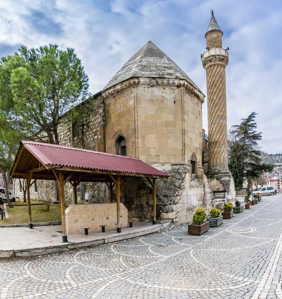 Burmalı Minare Cami Amasya