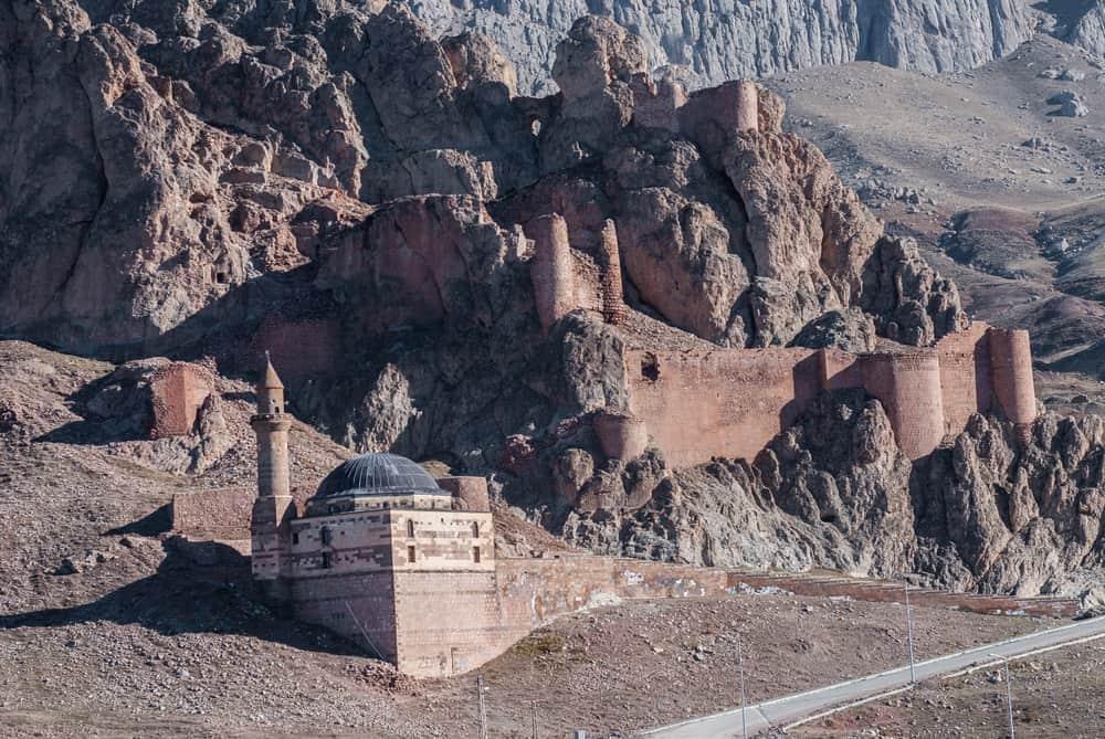 Doğubeyazıt Kalesi (Urartu Kalesi)