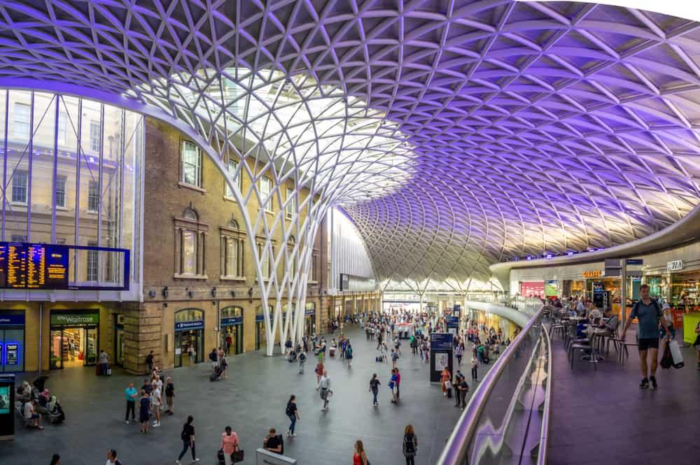 King's Cross Tren İstasyonu ( Platform9¾), Londra, İngiltere