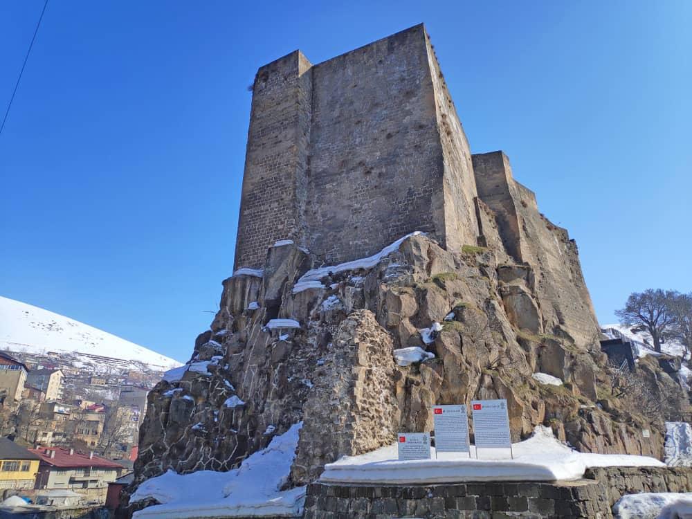 Tatvan (Tah-Tı Van) Kalesi Bitlis