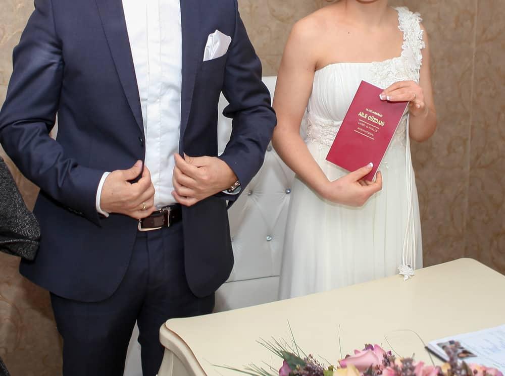Türk Vatandaşları İçin Yurt Dışında Evlenmek- Evlenilecek Ülkede Yapılması Gerekenler