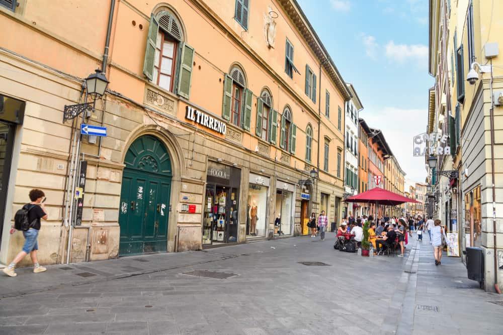 Pisa Alışveriş Borgo Largo
