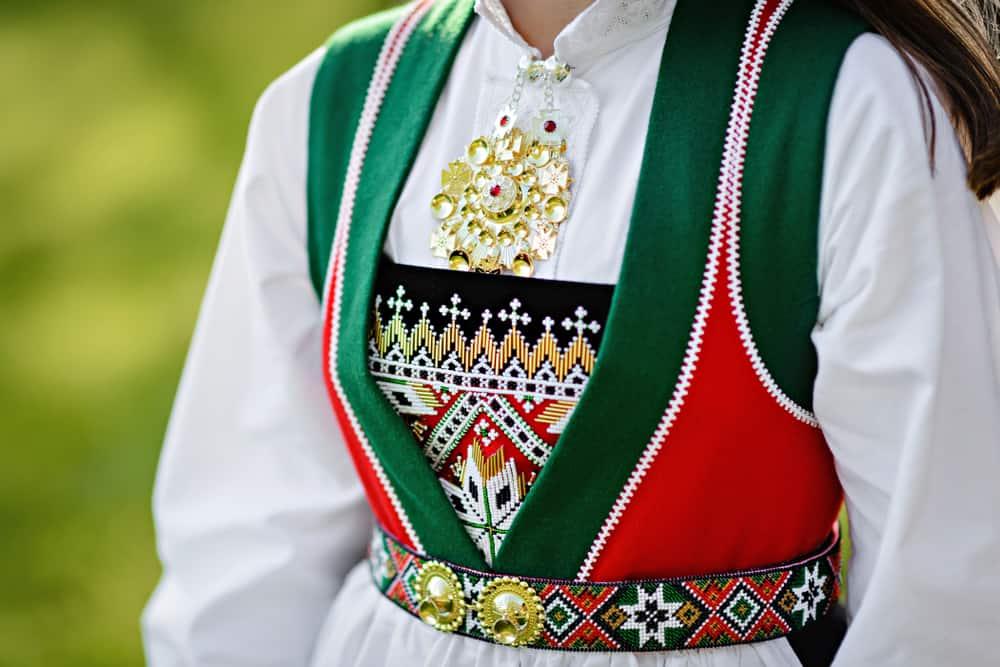 Norveç'ten Ne Alınır? Norveç geleneksel kostümleri (bunads)
