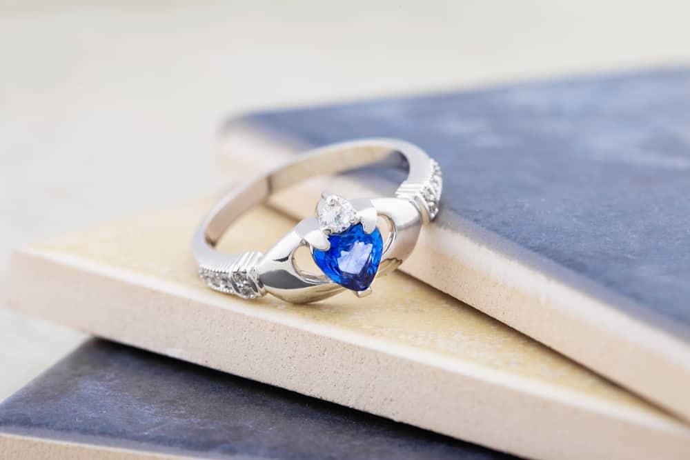Claddagh Yüzüğü İrlanda