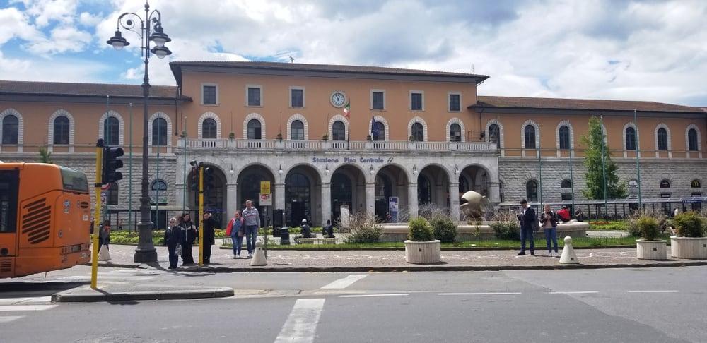 Pisa'ya Ulaşım Tren İstasyonu