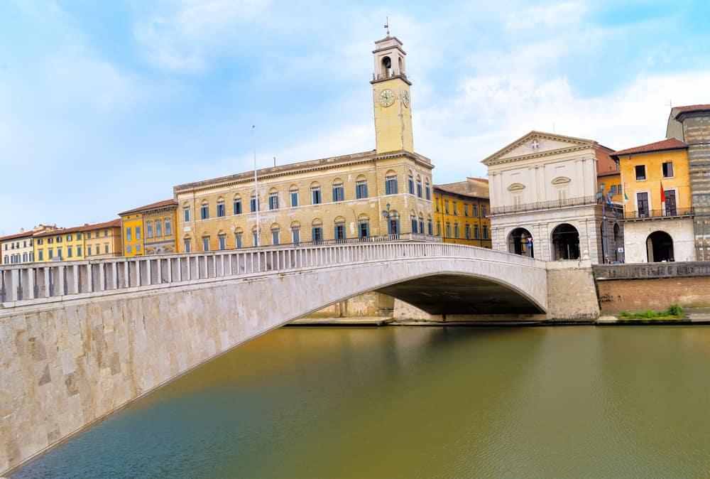 Mezzo Köprüsü (Ponte di Mezzo) Pisa İtalya