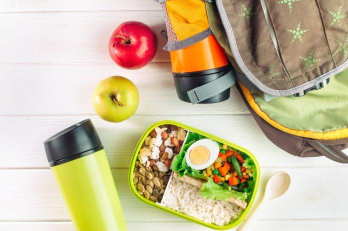 Seyahat Edenler İçin Beslenme Önerileri