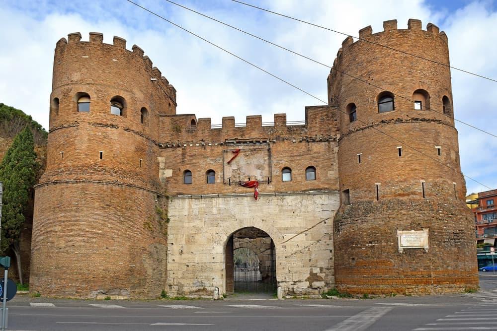 Aziz Paul Kapısı Roma