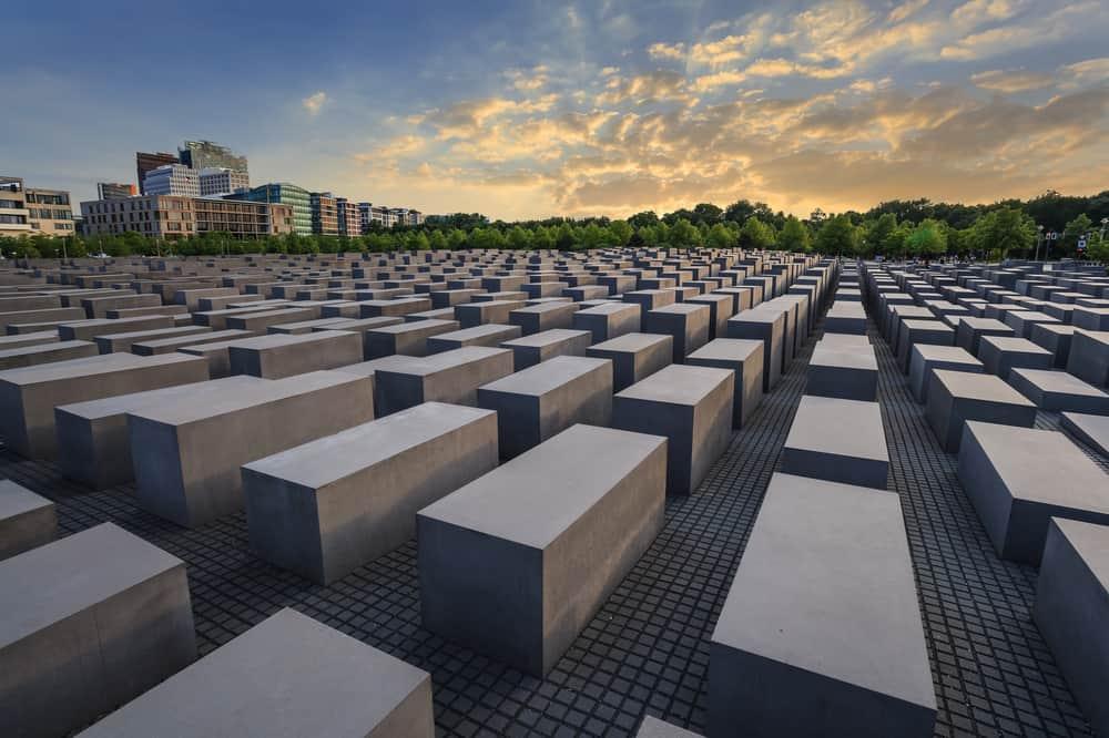 Katledilen Avrupalı Yahudiler Anıtı Berlin