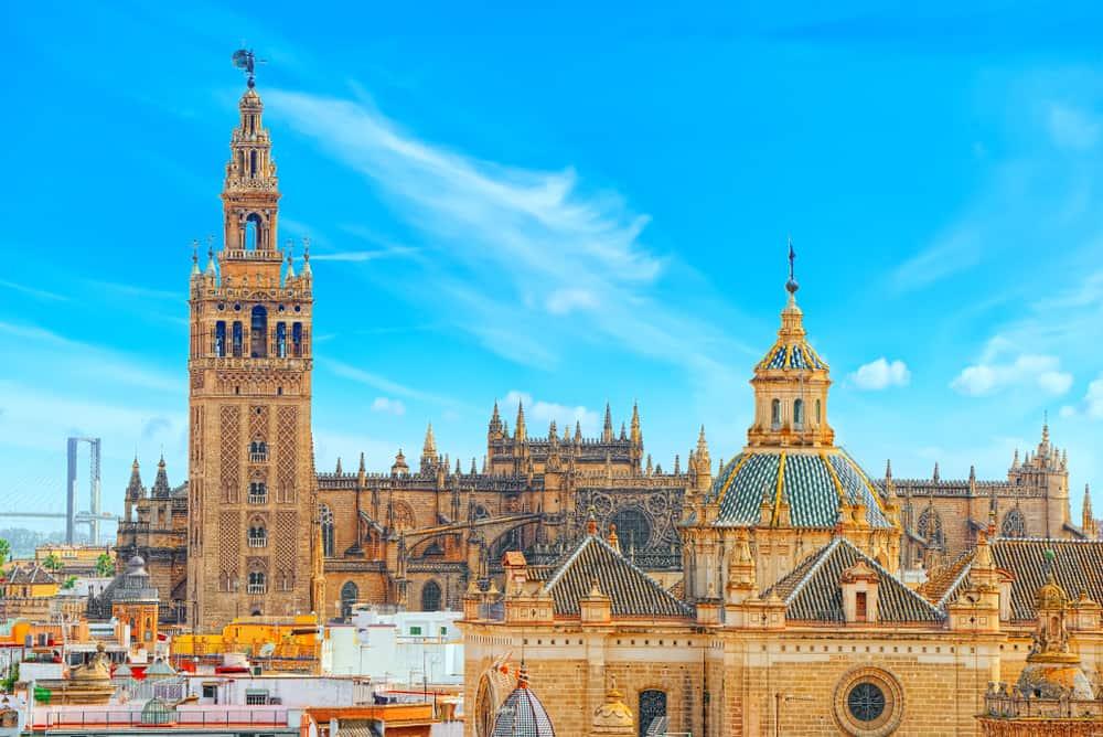 Sevilla Katedrali ve Giralda Çan Kulesi
