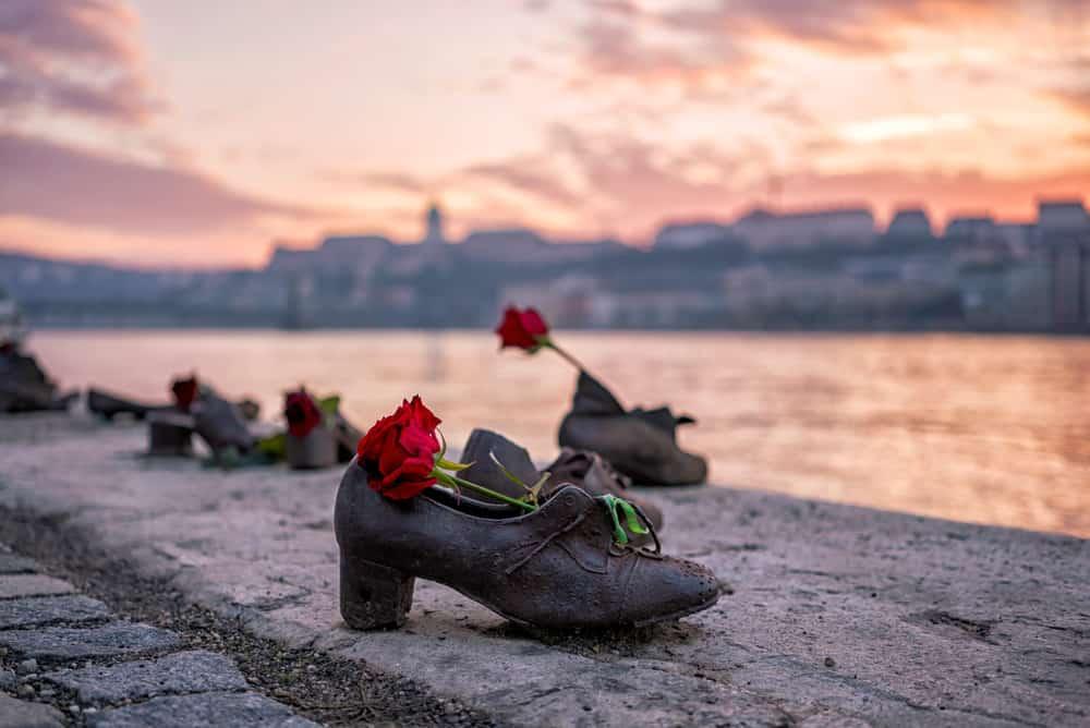 Budapeşte, Tuna Kıyısındaki Ayakkabılar Budapeşte