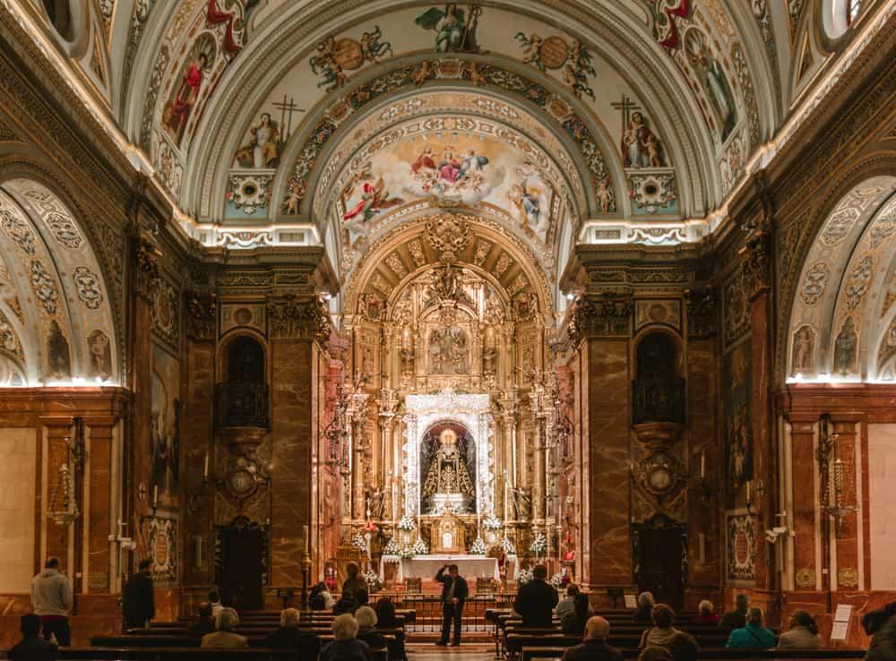 Macarena Bazilikası Sevilla İspanyaVirgen de la Esperanza (Umut) Heykeli Sevilla