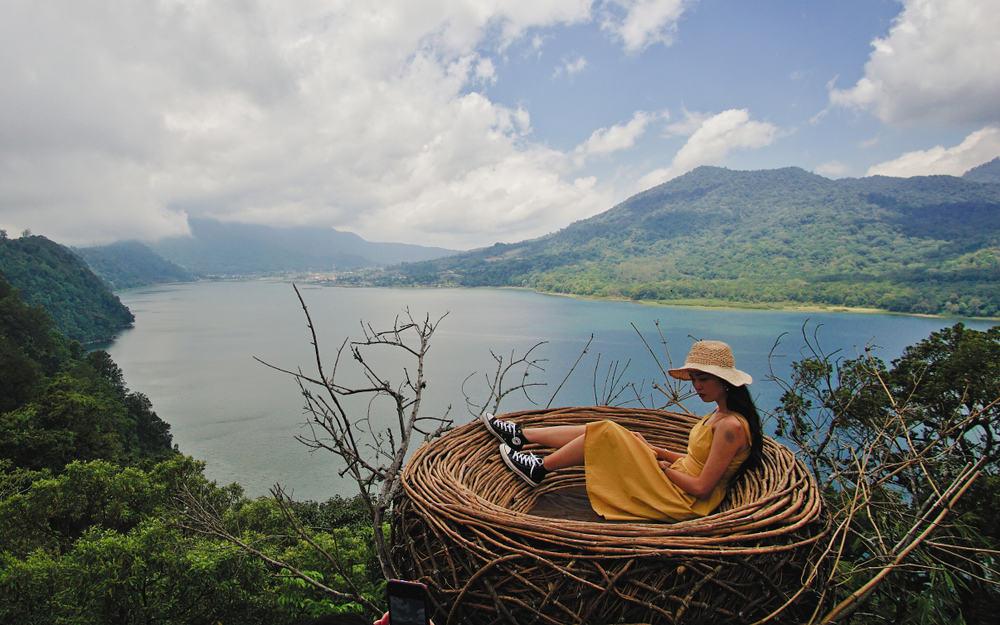 Wanagiri Gizli Tepe ile İkiz Göl Manzarası Bali