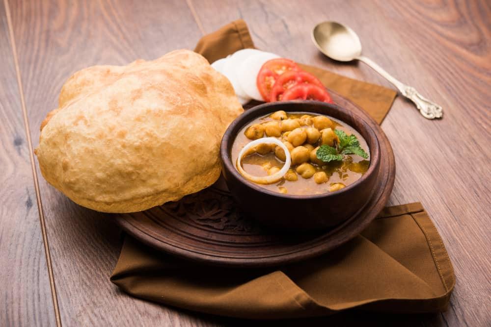 Hint Yemek Chola Bhatura