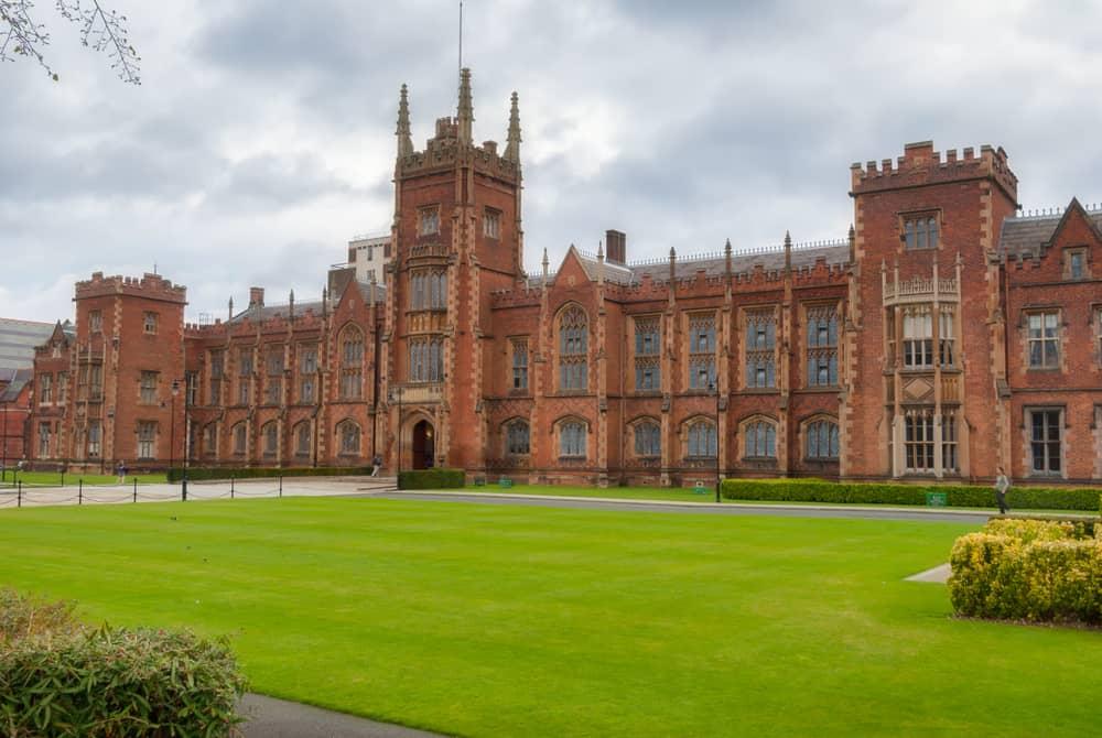 Queen's Üniversitesi Belfast