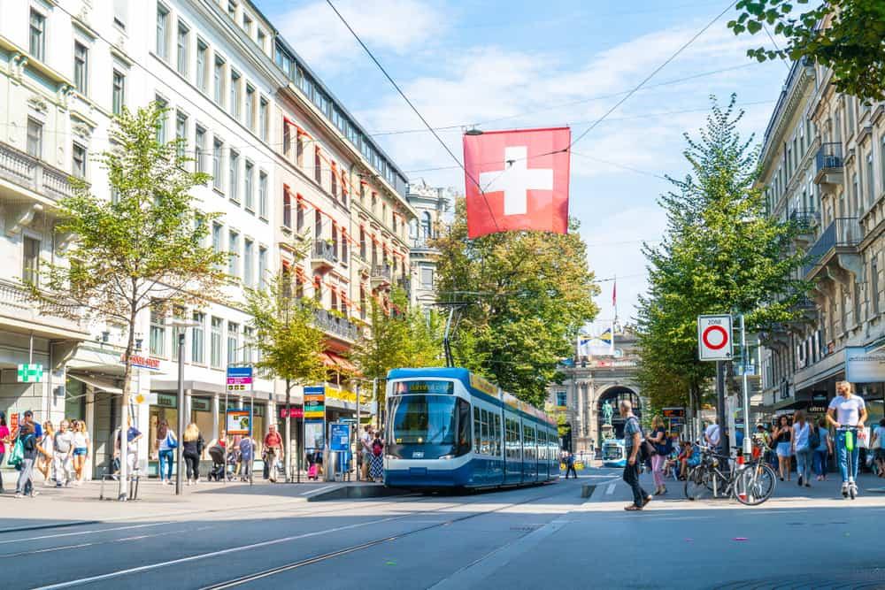Bahnhofstrasse Caddesi Zürih