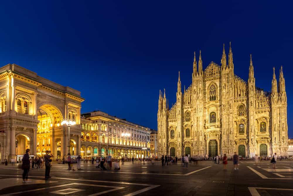 Duomo Meydanı Milano