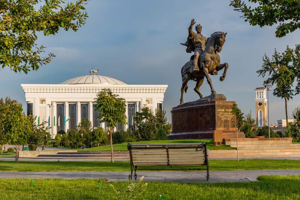 Emir Timur Meydanı Taşkent Özbekisitan