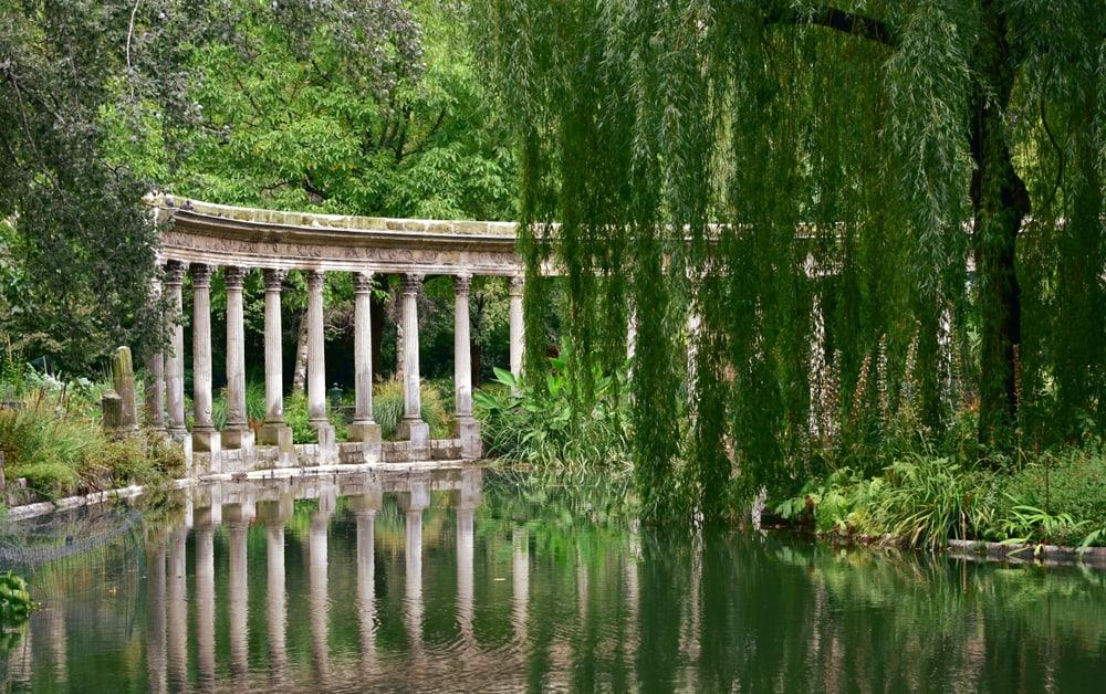 Monceau Parkı Paris Fransa