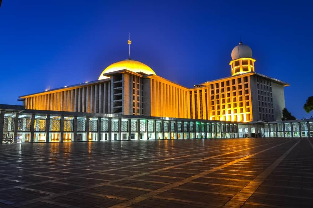 İstiklal Camii Jakarta Endonezya