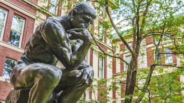Düşünen Adam Heykeli – Paris, Fransa
