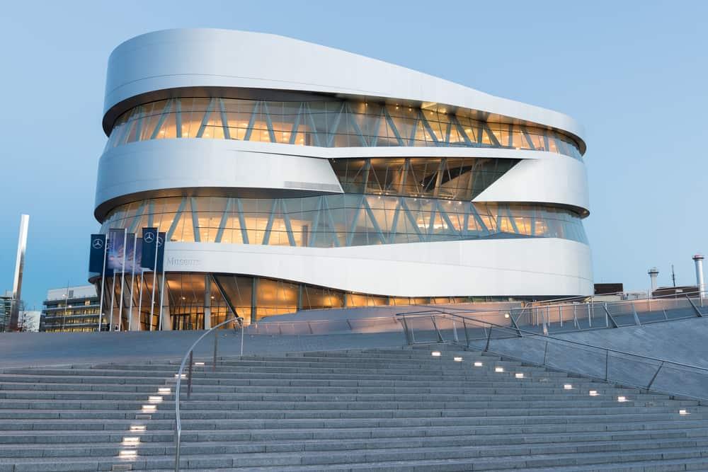 Mercedes-Benz Müzesi Stuttgart Almanya