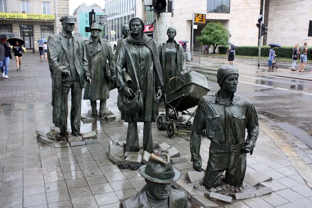 Yoldan Geçenler Heykeli – Wroclaw, Polonya