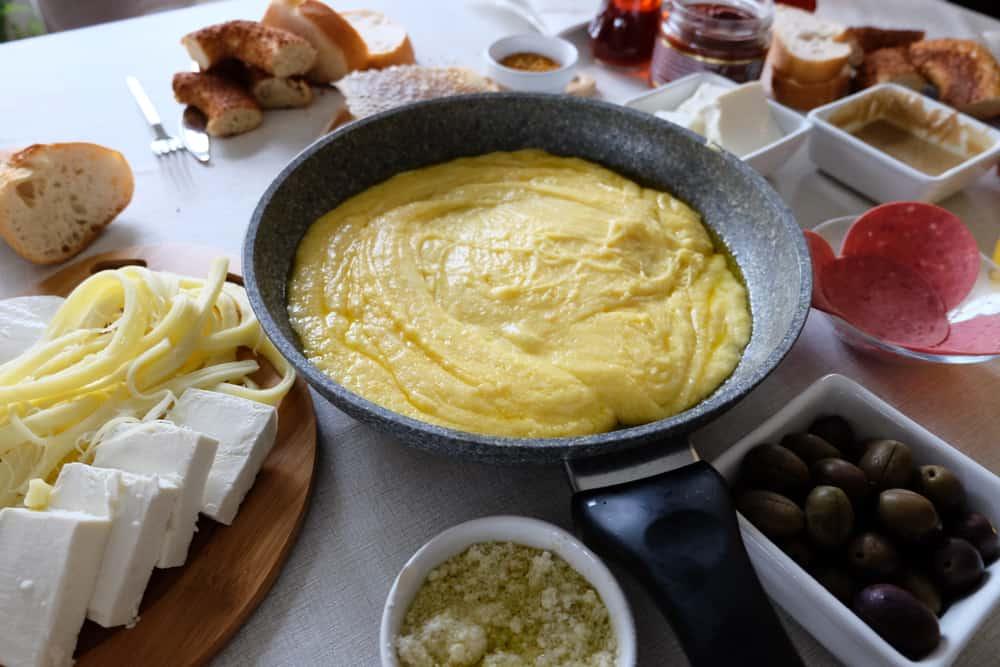Karadeniz Bölgesi'nde Kahvaltı Mıhlama
