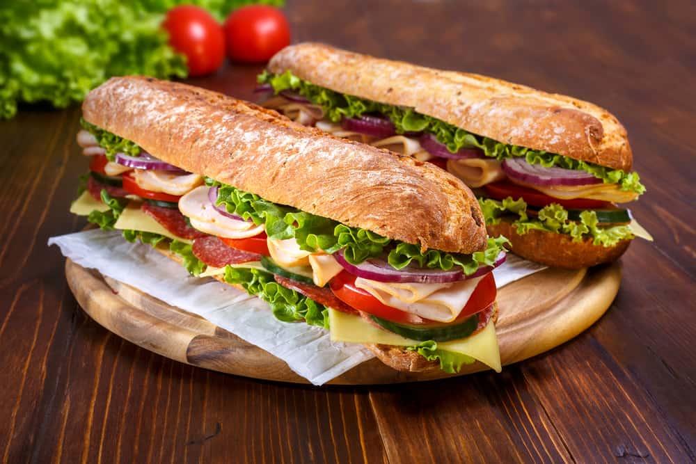 Peynirli Ilık Sandviç Malzemeleri