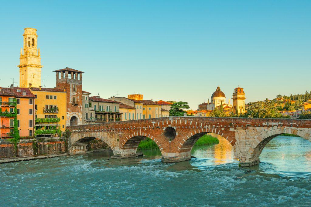 Taş Köprü (Ponte Pietra)- Verona, İtalya