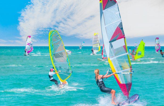 Rüzgar Sörfü, Çeşme