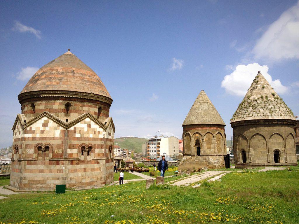 Üç Kümbetler, Erzurum