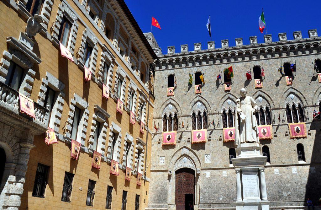 Palazzo Salimbeni (Salimbeni Sarayı), Siena