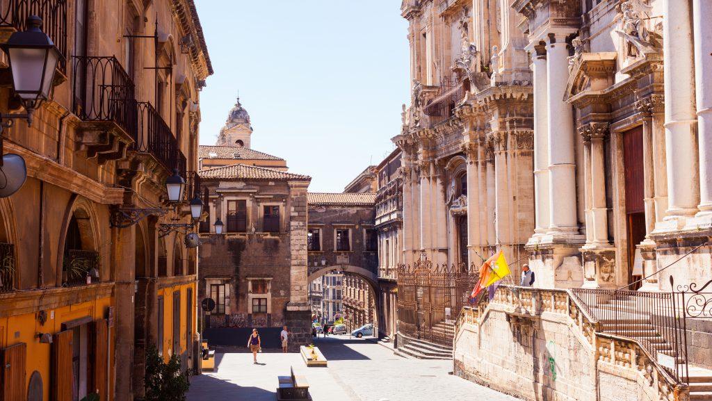 Via dei Crociferi, Catania, Sicilya